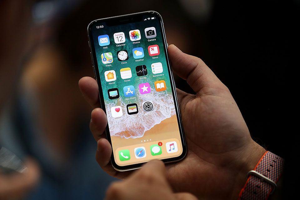 chi phí thay màn hình iphone tại hóc môn