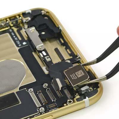 sua iPhone XS khong sac đuoc