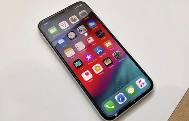 iPhone- X- be mat-kinh