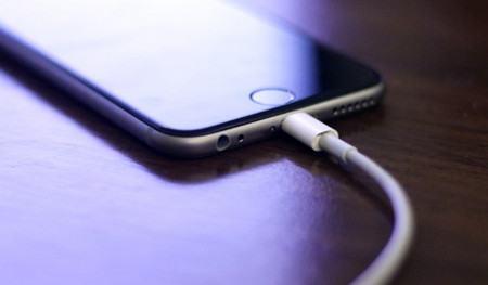 sua iPhone 7 khong nhan sac