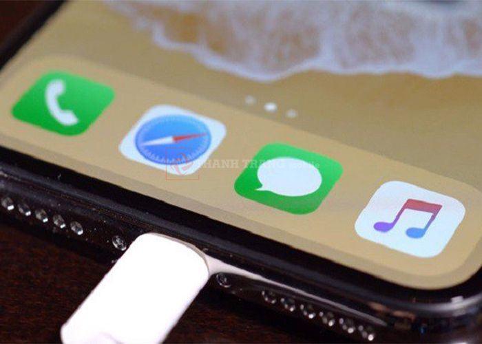 Giá thay chân sạc iphone xs max