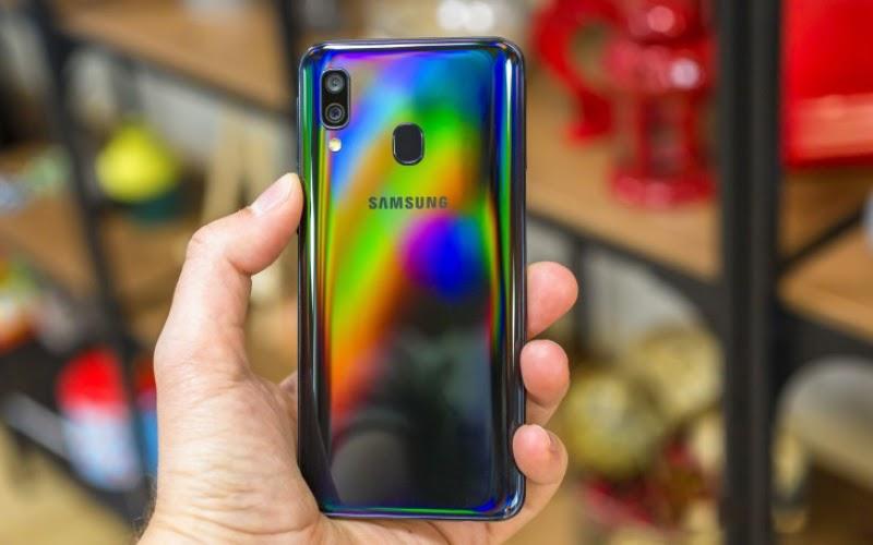 Thiết kế Samsung Galaxy A40