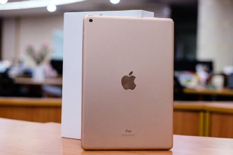 Thay kính camera iPad