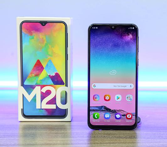 Thiết kế màn hình vô cực của Samsung Galaxy M20