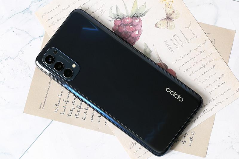 Chiếc Smartphone Oppo Reno 4 của bạn bị chai pin, dung lượng pin thấp và bạn muốn thay mới pin Oppo Reno 4. Bạn muốn trải nghiệm dùng máy được lâu hơn