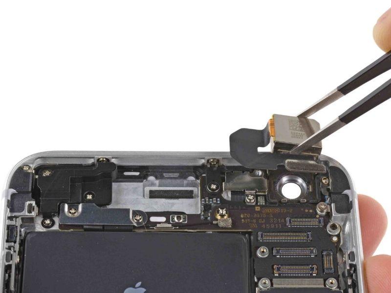 thay-kính-camera-sau-iPhone-6s-Plus(2)